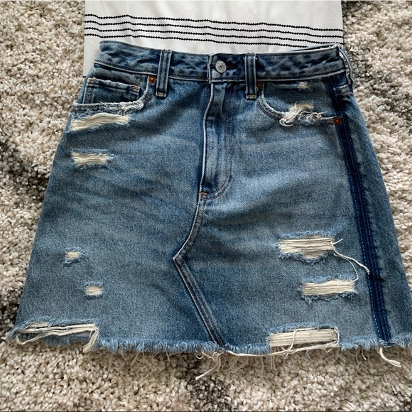 High waisted A&F Jean Skirt